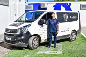 Nueva imagen para los vehículos de la SD Huesca